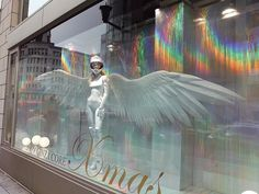 Every season I can see Ginza Core's unique window display. Especially this winter version is fantastic!