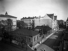 .  Bulevardi 22, kappalaisen pappila.   Brander Signe HKM 1907   Helsingin kaupunginmuseo   negatiivi ja vedos, lasi paperi pahvi, mv