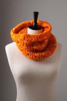 Little Luxury Cowl Crochet Snood, Quick Crochet, Free Pattern, Luxury, Creative, Blog, Cowls, Fashion, Moda