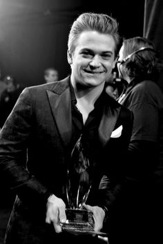 He wins more than just an award, he wins another prompting that his music is beautiful. That he is perfect. ❤