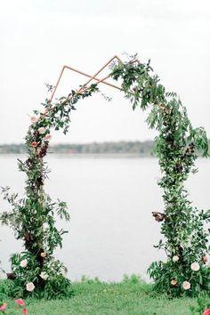 New Wedding Arch Gold Backdrops 39 Ideas Backdrop Frame, Gold Backdrop, Backdrops, Backdrop Lights, Backdrop Stand, Wedding Ceremony Arch, Wedding Altars, Copper Wedding, Industrial Wedding
