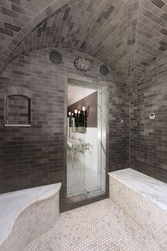 40 Luxury Shower Designs Demonstrating Latest Trends in Modern Bathrooms - Master Bathroom Shower, Glass Bathroom, Bathroom Layout, Bathroom Interior Design, Small Bathroom, Steam Shower Enclosure, Glass Shower Enclosures, Bad Inspiration, Bathroom Inspiration