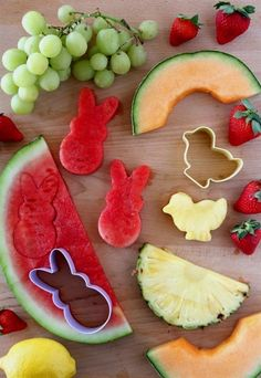 Dip Easy Lemon Dip Recipe with Easter Themed Fruit! Fun party food idea for spring, a farm birthday party or Easter.Easy Lemon Dip Recipe with Easter Themed Fruit! Fun party food idea for spring, a farm birthday party or Easter. Easter Brunch, Easter Party, Spring Birthday Party Ideas, Spring Party, Easter 2018, Easter Weekend, Hoppy Easter, Easter Eggs, Easter Food