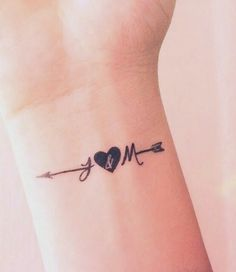 Pin by piercings on piercings mickey tatuaje, mini tatuajes, Mom Tattoos, Wrist Tattoos, Trendy Tattoos, Cute Tattoos, Small Tattoos, Tattoos For Women, Tatoos, Husband Tattoo, Best Couple Tattoos