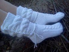 MK por tenerife (lume) - la Feria de los Maestros - la labor a mano, handmade Crochet Slipper Boots, Knit Shoes, Knitted Slippers, Crochet Slippers, Knitting Patterns, Sewing Patterns, Crochet Patterns, Crochet Ripple, Knit Crochet