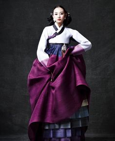 Unlike the well known Japanese kimono and Chinese qipao, the Korean hanbok has enjoyed little recognition, especially in western circles, until recent years. Hanbok in Korean literally means Korean Traditional Clothes, Traditional Fashion, Traditional Dresses, Korean Dress, Korean Outfits, Design Oriental, Modern Hanbok, Model Rok, Kimono