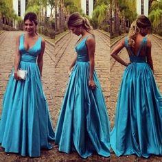 Maxi vestido llano corte drapeado con cuello en V azul