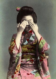 Vintage tinted photo - Sayonara, the geisha who refused to look #woman #people #Japan