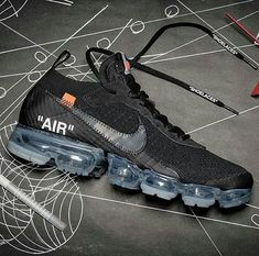 OFF WHITE X NIKE #nikemenrunningshoes Cool Trainers, Off White Shoes, Nike Air Vapormax, Sneakers Nike, Sneakers Fashion, Unisex, Adidas, Athletic Shoes, Athletic Wear