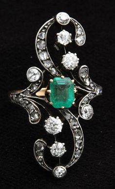 Antique Russian ring set with emerald & diamonds, Anthony Green Antiques @ www.silvervaultslondon.com