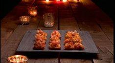 Toasts aux crevettes - Cuisinez! - Télé-Québec Quebec, Mayonnaise, Brunch, Toast, Hors D'oeuvres, Baked Potato, Appetizers, Chicken, Baking