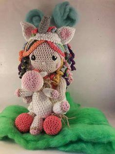 Meraki, Crochet Hats, Christmas Ornaments, Holiday Decor, Beautiful Children, Knitting Hats, Christmas Jewelry, Christmas Decorations, Christmas Decor