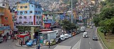 Noticias ao Minuto - Bandidos da Rocinha obrigam bares a comprar água mineral do tráfico