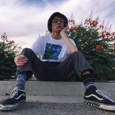 Skater boy contemplating his next kick flip while wearing cuffed pants and vans Grunge Boy, Grunge Style, Boy Fashion, Mens Fashion, Fashion Outfits, Mens Grunge Fashion, Trendy Fashion, Skater Fashion, Fashion Black