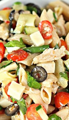 Italian Chicken Pasta Salad Italian Pasta salad with chicken,vegetables and olives Chicken Pasta Salad Recipes, Italian Chicken Pasta, Pasta Salad Italian, Salad Chicken, Italian Chicken Salad Recipe, Healthy Macaroni Salad, Penne Pasta Salads, Recipe Pasta, Shrimp Pasta