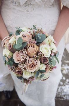 Winter wedding bouquet - Sian and Dean's incredibly beautiful snowy wedding in Surrey Pastel Bouquet, Bridal Bouquet Pink, Bridal Flowers, Flower Bouquet Wedding, Rose Bouquet, Rose Wedding, Green Wedding, Chic Wedding, Trendy Wedding