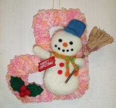 「ハンドメイドクリスマス2014」羊毛フェルトで、クリスマスのブーツとスノーマンの飾りを作ってみました。縦18cmX横16cmブーツは紙の型紙に毛糸を巻きつけ...|ハンドメイド、手作り、手仕事品の通販・販売・購入ならCreema。