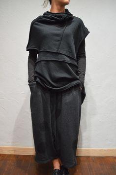 pantalon-sarouel-de-couleur-gris-et-noir-a-pois-moyuru-c_353x530
