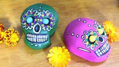 Tee meksikolainen pääkallo ja leikkiluuranko taikataikinasta | Askartelu ja käsityöt | Strömsö | yle.fi Piggy Bank, Sculptures, Money Box, Money Bank, Savings Jar