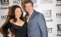 Fran And Her Gay Ex-Husband Even Managed To Make 'Happily Divorced'. Fran Drescher Had A Gay Husband, But Still The Duo Rocked In Bed! #FranDrescher #PeterMarcJacobson ##BlackTieDinner #BTD #Gay #Lesbian #LGBT #TheNanny #HappilyDivorced