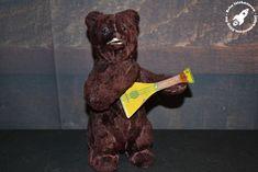 Szovjet balalajkázó mackó - Retro játékmúzeum Retro Games, Minion, Mac, Teddy Bear, Toys, Animals, Animales, Animaux, Minions