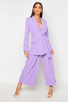 Purple Dress Outfits, Lavender Outfit, Printed Palazzo Pants, Western Outfits, Blonde Balayage, Business Fashion, Elegant Dresses, Purple Jumpsuits, Wide Leg Pants