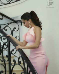 Shraddha Kapoor Looking stunning in this Photo, Shraddha Kapoor LAtest Photos, Shraddha Kapoor Pink Dress Photos Indian Bollywood, Bollywood Stars, Bollywood Fashion, Beautiful Bollywood Actress, Beautiful Indian Actress, Beautiful Actresses, Shraddha Kapoor Half Girlfriend, Sraddha Kapoor, Ranbir Kapoor