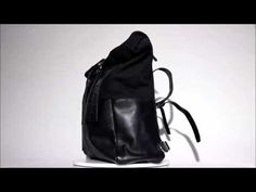 The saddlebag for all kind of motorcycles from WRENCHMONKEES made by swedish manufacturer SANDQVIST. This saddlebag fits usually with all kind of motorcycles. Sling Backpack, Leather Backpack, Bike Saddle Bags, Motorcycle Saddlebags, Motorcycle Luggage, Custom Bikes, Luggage Bags, Suede Leather, Motorcycles