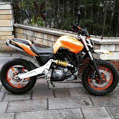 Risultati immagini per yamaha mt 03 custom Yamaha Motorbikes, Scrambler Custom, My Ride, Custom Bikes, Cool Bikes, Motocross, Cars And Motorcycles, Bmw, Vehicles