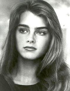 Brooke Shields---Los ojos son mas beellos si ven bien.Controlate cada año.Lee nuestro blogspot.