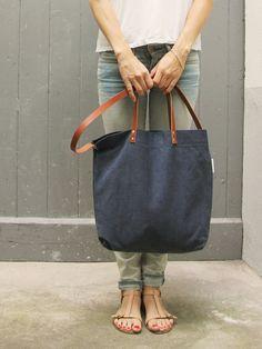 Schultertaschen - Tasche ELIN // dunkelblau - ein Designerstück von MINUK bei DaWanda