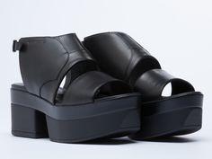 Vagabond Lindi 101 in Black at Solestruck.com