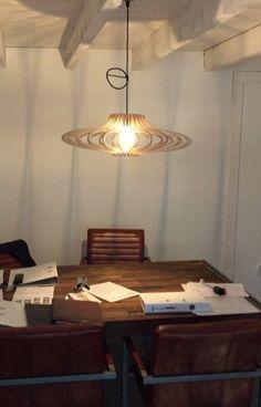 In opdracht van makelaarskantoor - ufo-vormige lamp