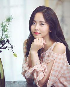 """So Hyun interview pics Korean Beauty, Asian Beauty, Kim So Hyun Fashion, Hyun Ji, Kim Sohyun, Kim Yoo Jung, Korean Actresses, Korean Actors, Korean Fashion Trends"