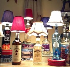 Garrafas de bebidas reutilizadas.