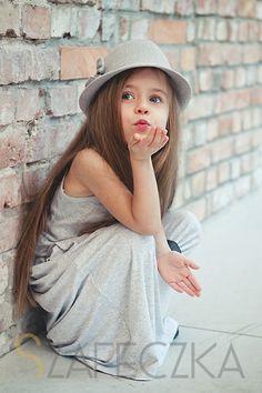 - Szafeczka.com - children's fashion blog