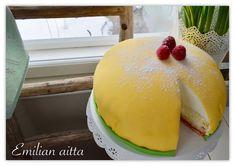 Gluteeniton Prinsessakakku! Food And Drink, Gluten Free, Pudding, Sweets, Woman, Drinks, Eat, Desserts, Glutenfree
