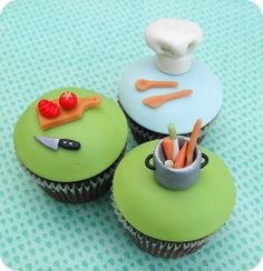 Cooking theme cupcakes great for culinary class Fondant Cupcakes, Yummy Cupcakes, Cupcake Cookies, Cupcake Toppers, Cupcakes Design, Cake Designs, Tolle Cupcakes, Chef Cake, Decoration Patisserie