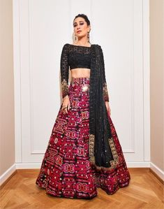 Always wondered what a Manish Malhotra lehenga costs? Check out amazing cocktail and bridal Manish Malhotra Lehenga Prices in this post. Manish Malhotra Lehenga, Lehenga Choli, Manish Malhotra Bridal, Lehnga Dress, Indowestern Lehenga, Bollywood Lehenga, Saree Blouse, Black Lehenga, Amigurumi