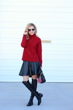Bulky KniBulky Knit,turtleneck and OTK, leather skirt, simply sutter