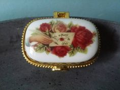 Bekijk dit items in mijn Etsy shop https://www.etsy.com/nl/listing/269792320/pill-trinket-box-french-romantic-limoges