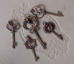 Keys   JewelryLessons.com  I love these keys!