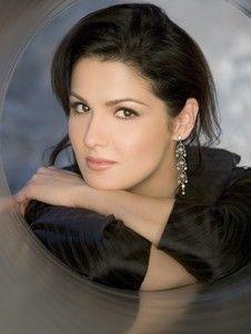 Anna Netrebko / the most beautiful Opera voice now. Anna Netrebko, Divas, Nelly Furtado, Classic Portraits, Celebrity Stars, Music Composers, Thing 1, Opera Singers, Music People