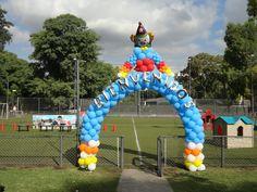 Bienvenidos al festejo de Circo. Circus party. Ballon. Clown. Welcome http://antonelladipietro.com.ar/blog/2012/03/payasos-en-el-cumple/