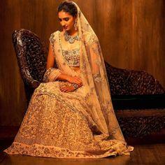 S&B #indiafashion#india#fashion#saree#lehengas#indianwear#wear#bollywood#glam