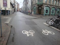 No space for cycling lanes on narrow downtown streets? No problem, we dedicate the full street then. København winter cycling 2014