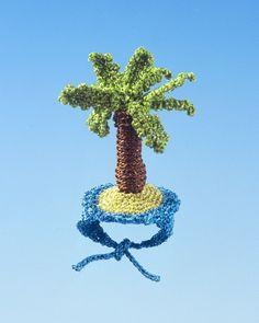 Mixed Media Crochet Artist Felieke van der Leest