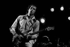 Pictures from Dire Straits gig – Hamburg, October 1978 Great Bands, Cool Bands, Posters Uk, Dire Straits, Mark Knopfler, Old Music, Jimi Hendrix, Playing Guitar, New Pictures