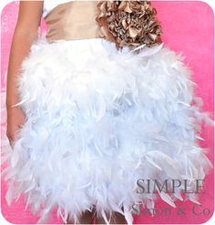 Project Run and Play- Feather Tutu Tutorial - Simple Simon and Company Purchase feather boas here: https://secure.onewaynovelties.com/en/pink-feather-boa-6-60-grams--r1-fbboapi