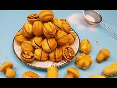 Nuci umplute pentru Craciun - fursecuri realmente fragede - reteta cu unt si untura - YouTube Snack Recipes, Snacks, Pretzel Bites, Biscotti, Unt, Almond, Picnic, Deserts, Chips